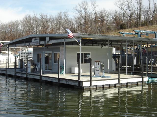 Formula Boats Mo Gas Dock
